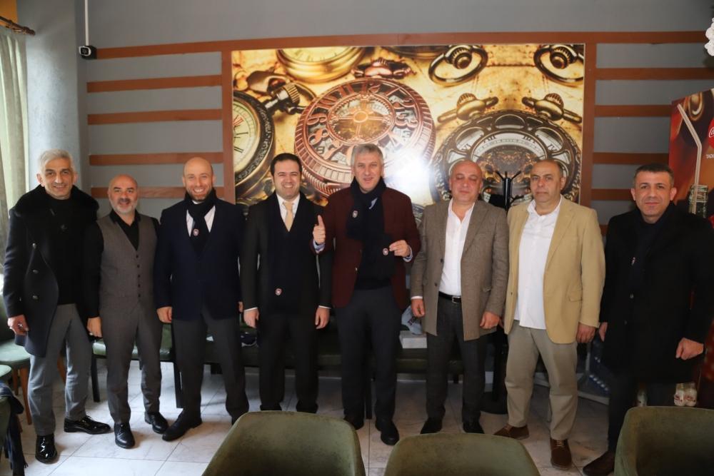 Başkan Sarıalioğlu Ofspor Kulübü yöneticileri ile bir araya geldi 1