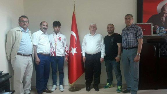 Şampiyon Furkan Hamza Bilgin Ödüllendirildi