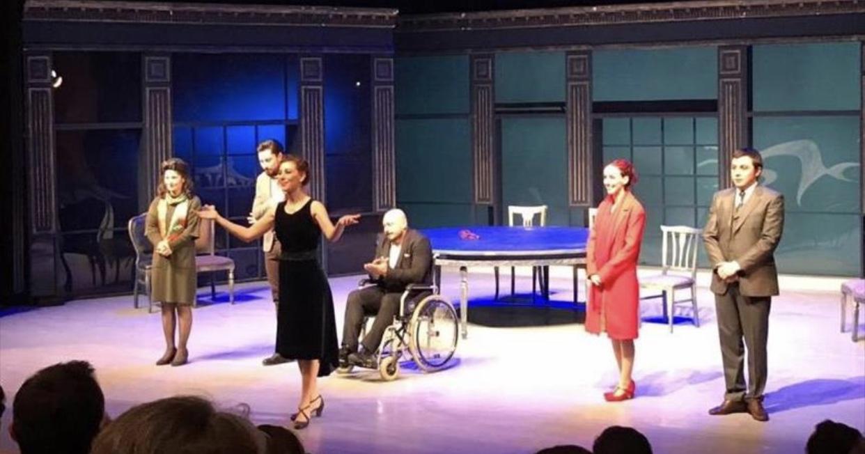 Trabzon Devlet Tiyatrosu Oyuncusunun Fedakarlığı Ayakta Alkışlandı
