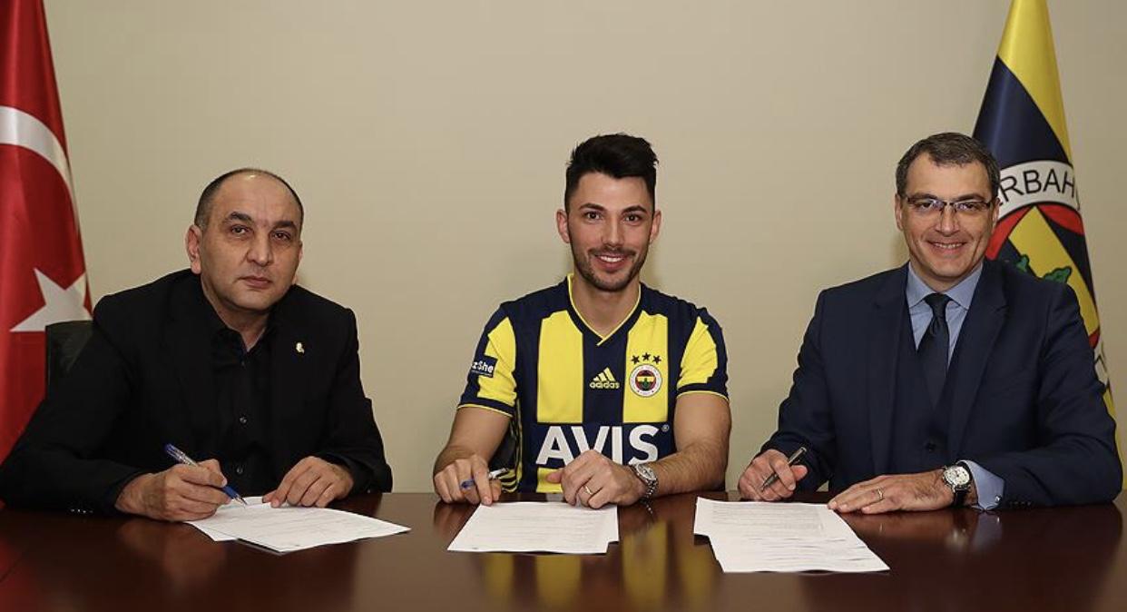 Tolgay Arslan resmen Fenerbahçe'de