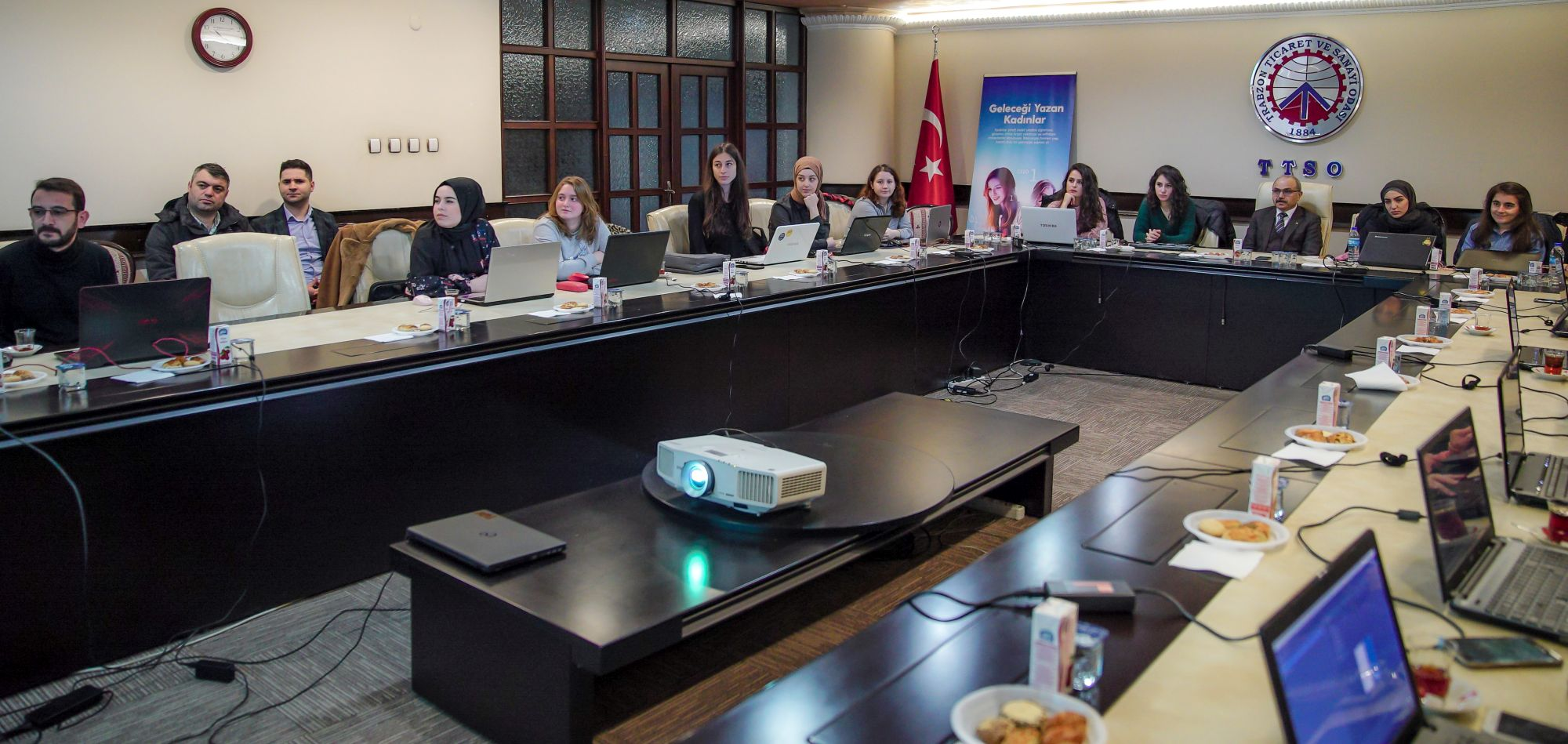 Trabzon'da Geleceği Yazan Kadınlar Projesi eğitimleri başladı
