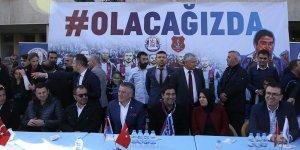 Trabzonspor'un Teknik Heyet ve Oyuncuları Vakfikebir'de Hamsi Şöleninde