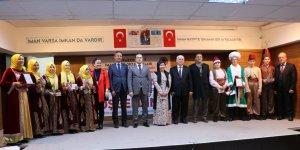 Of'ta İmam Hatipli öğrenciler Arapça şarkı ve tiyatro becerilerini sergiledi