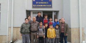 Cumapazarılı öğrencilerden asker ziyareti